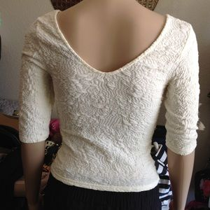 Topshop Tops - So soft white quarter sleeve v neck crop top